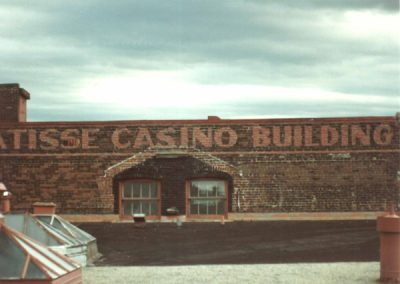 walldog-casino-building-rue-wellington-s-coin-king-low